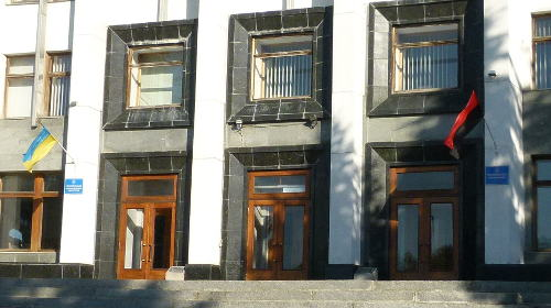 Budynek władz obwodowych w Tarnopolu, wejście główne